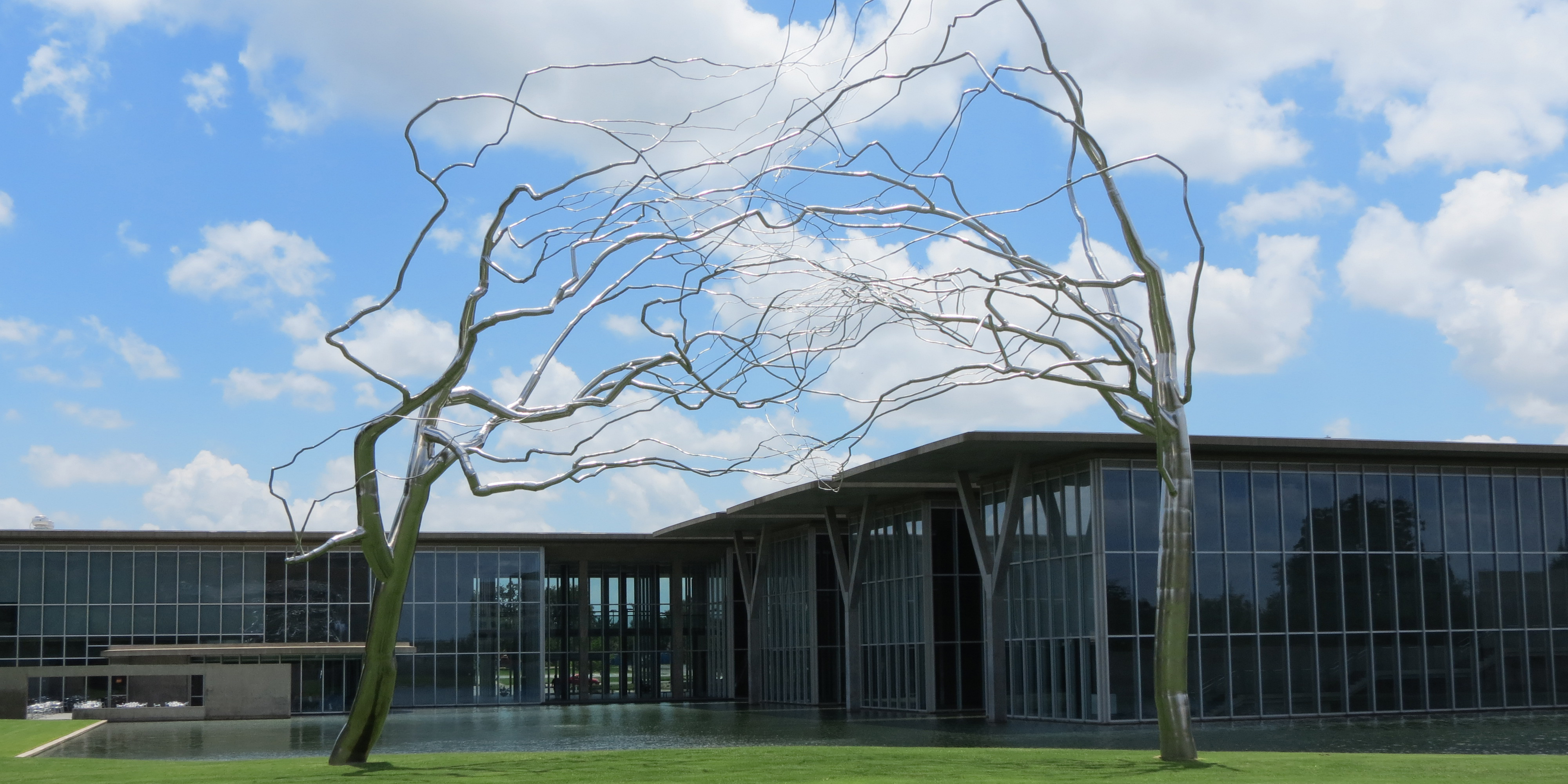 Roxy Paine_Conjoined